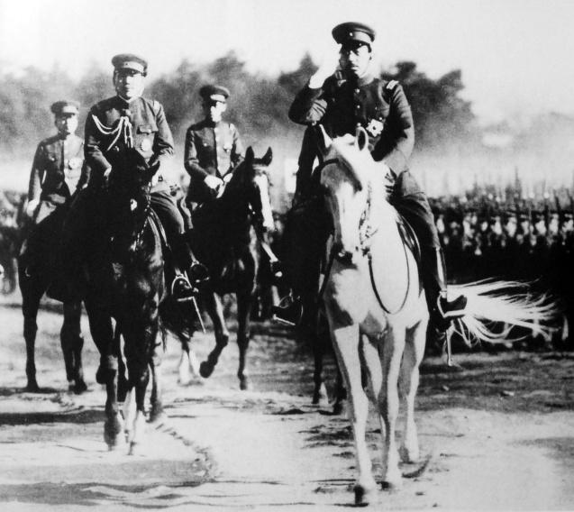 Emperor_Shōwa_Army_1938-1-8